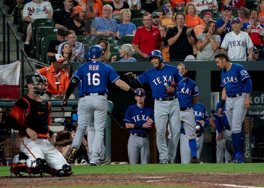 Odor's blast in 11th lifts Rangers over Twins