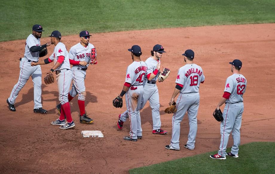 Rodriguez, Red Sox shut down Dodgers