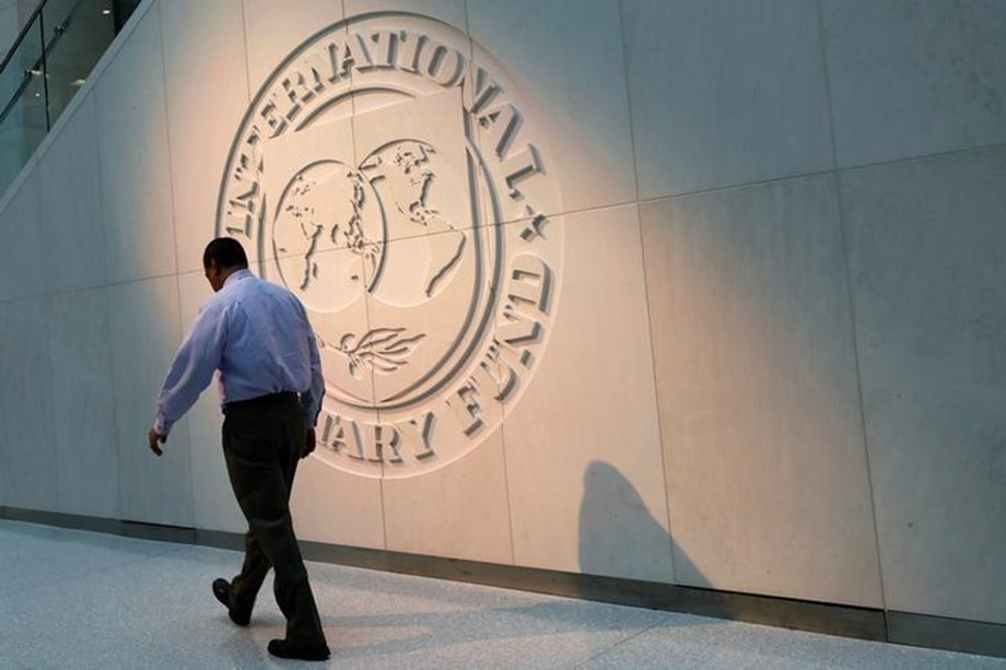 Argentina hopes reach deal to increase size of IMF standby agreement