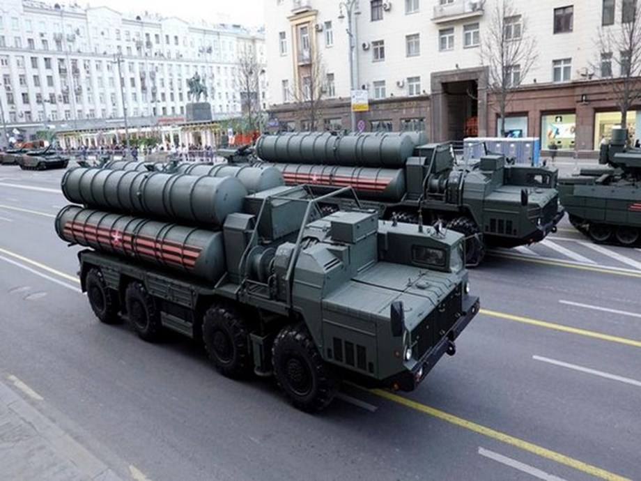 UPDATE 2-Russia hopes to agree new S-400 missile deal with Turkey next year