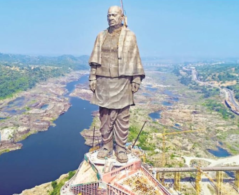 Modi inaugurates 'Statue of Unity'; world's tallest statue at 182-meter