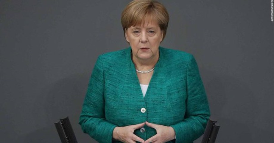 Merkel steps down as CDU chief after 18 yrs, hunt for successor looms
