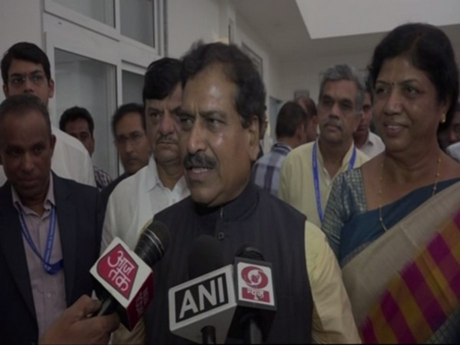 Airports, trains full, people getting married; Suresh Angadi dismisses economic slowdown concerns