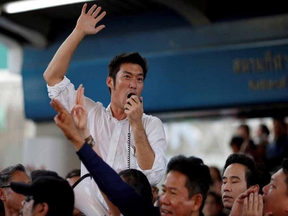 Thousands rally in Bangkok to protest against dissolution of opposition party