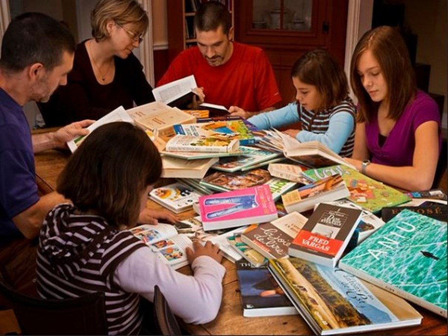 Reading out to your children beneficial for parents and kids!