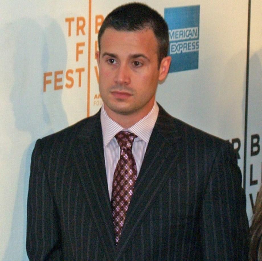 Freddie Prinze Jr joins cast of Nancy Drew pilot at CW network