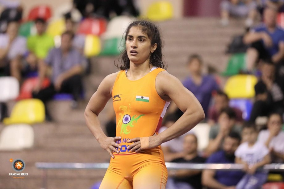 Vinesh needs to keep her concentration from zero to six minutes: Coach Akos