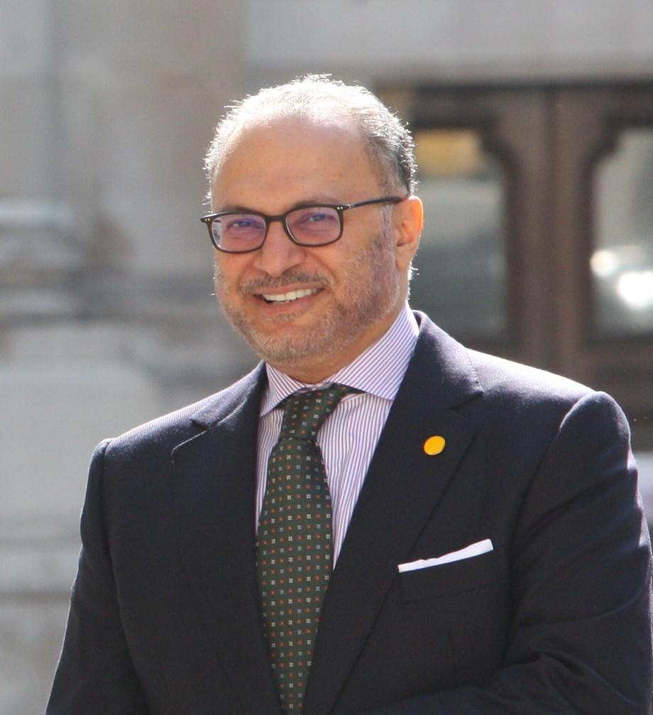 "UPDATE 1-UAE says Iranian Foreign Minister Zarif's credibility ""diminishing"""