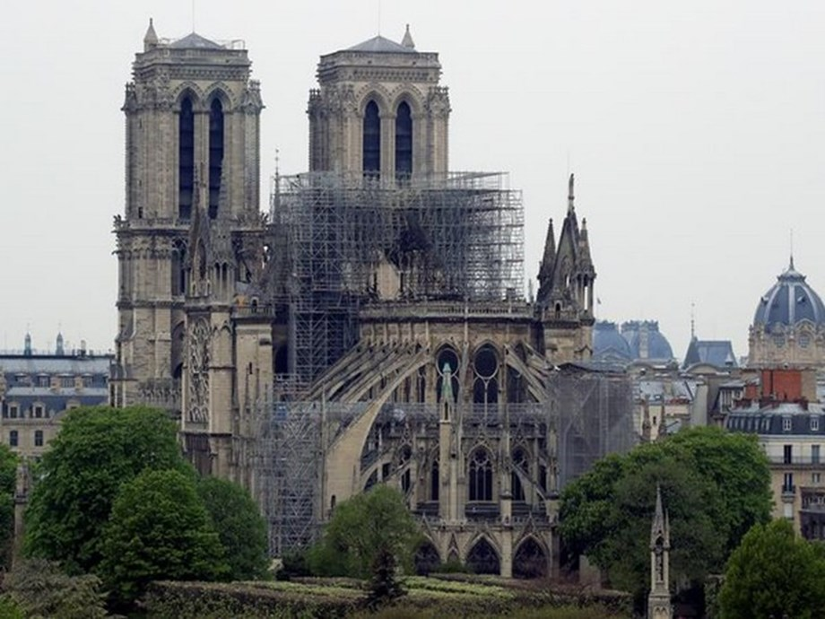 Pope thanks people who risked their lives trying to save Notre-Dame Cathedral