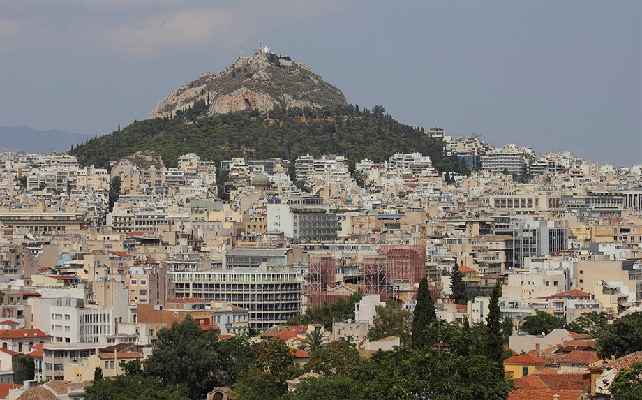 Acropolis Hill area in Athens struck by lightning; historic sites marked safe