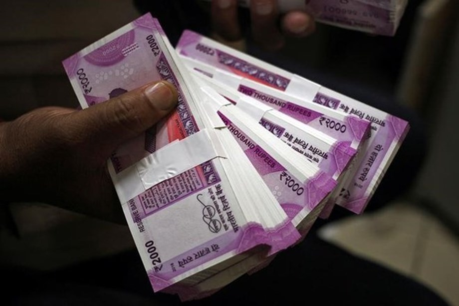 BJP seeks resignation of Karnataka minister following seizure of cash from PA