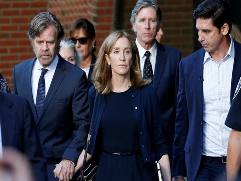 Felicity Huffman seems to get jump-start on community service