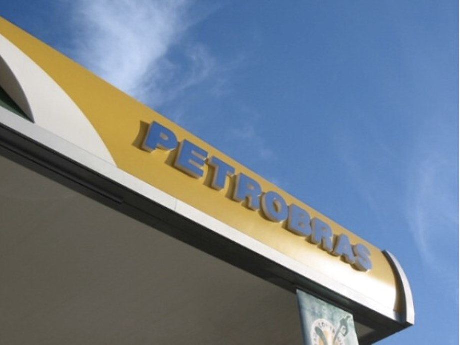 UPDATE 2-Brazil's Petrobras holds fuel prices steady despite oil spike after Saudi attack