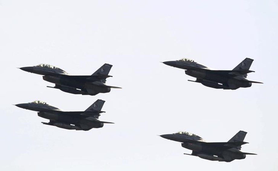 Pakistan military aircraft crashes, two pilots killed