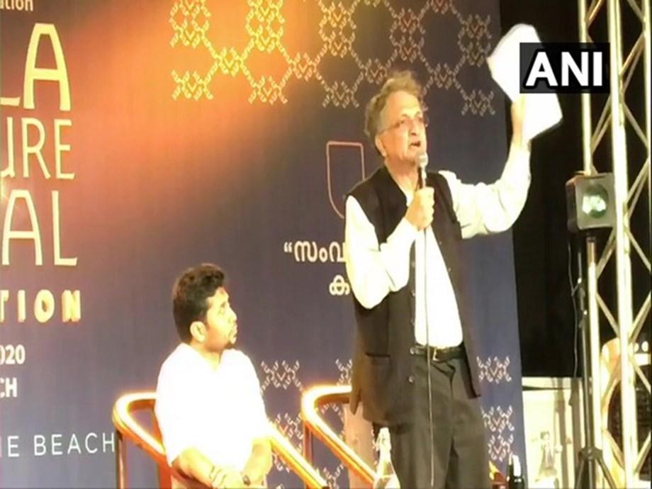 Young India doesn't  want 'fifth-generation' dynast, says Ramachandra Guha taking sly dig at Rahul Gandhi