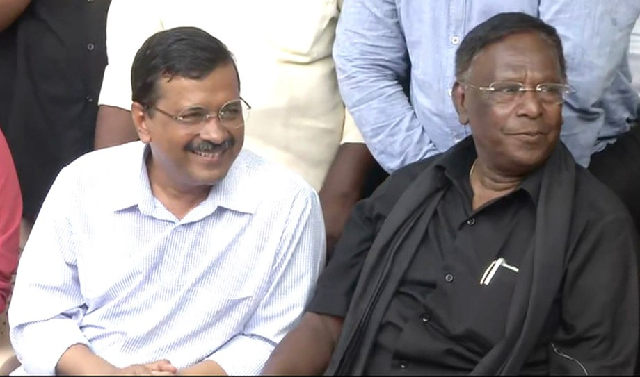 Kejriwal supports to protesting Narayansamy, alleges Center govt suppressing democracy