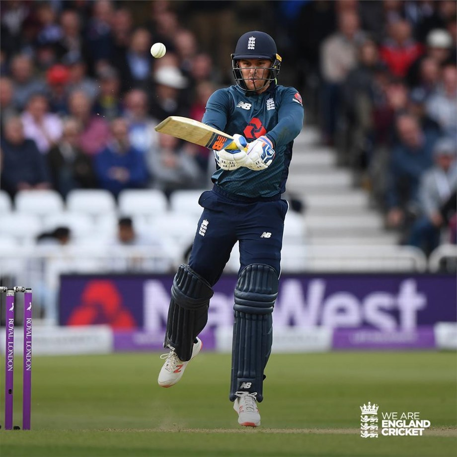 England sink in Pak by 3-wickets, seal ODI series