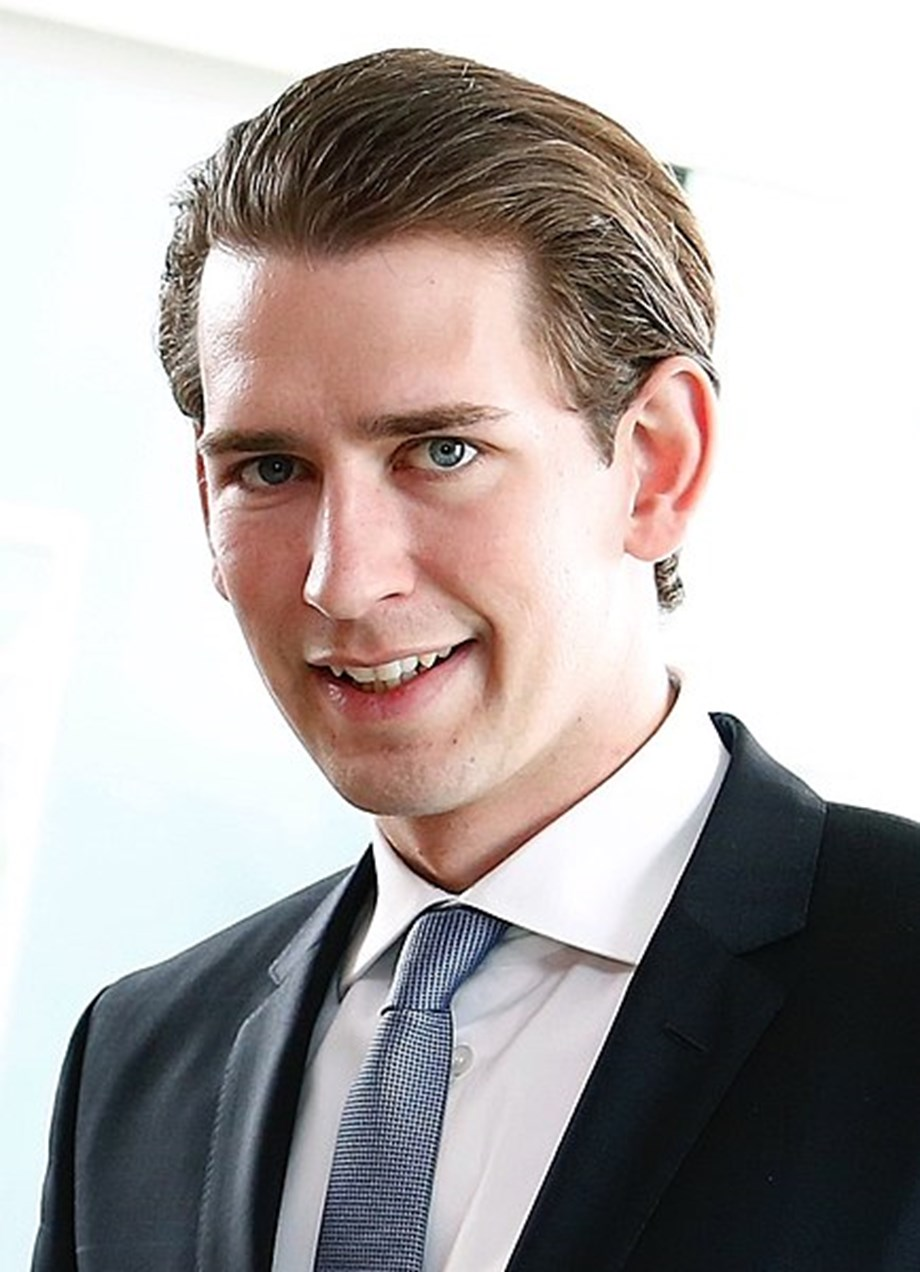 Crisis meeting called by Australian Kurz as leaking of state contracts