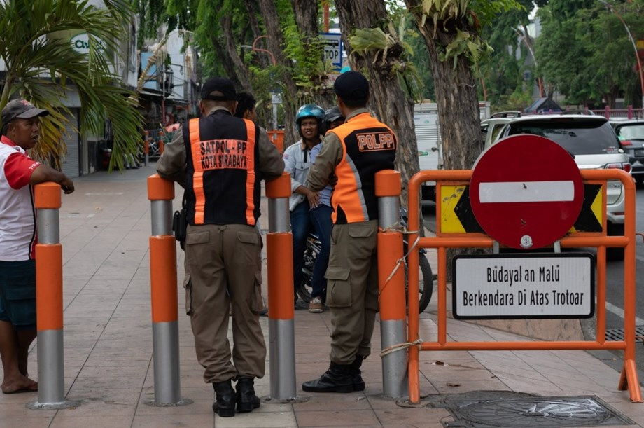 Indonesia police kill 2 suspects in militant crackdown