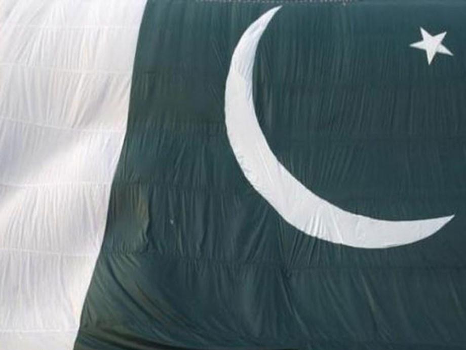 Pakistan police say gunmen attack security vehicle, 5 killed