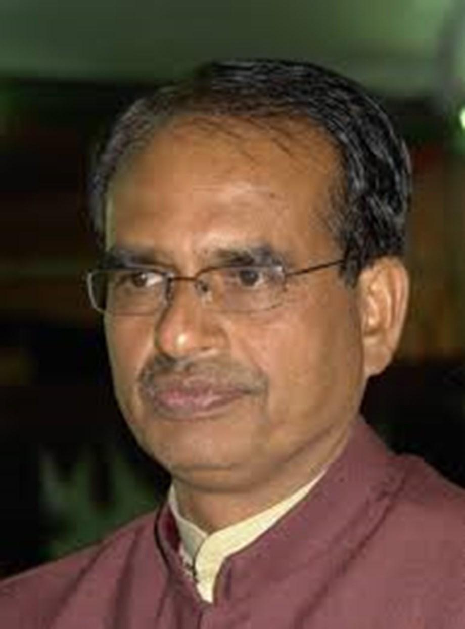Karnataka crisis: Congress a sinking ship, hence MLAs deserting it, says Chouhan