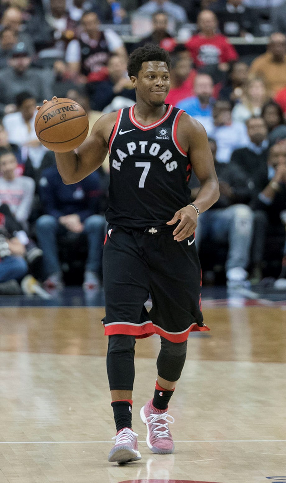 NBA notebook: Raptors' Lowry won't follow Leonard's path
