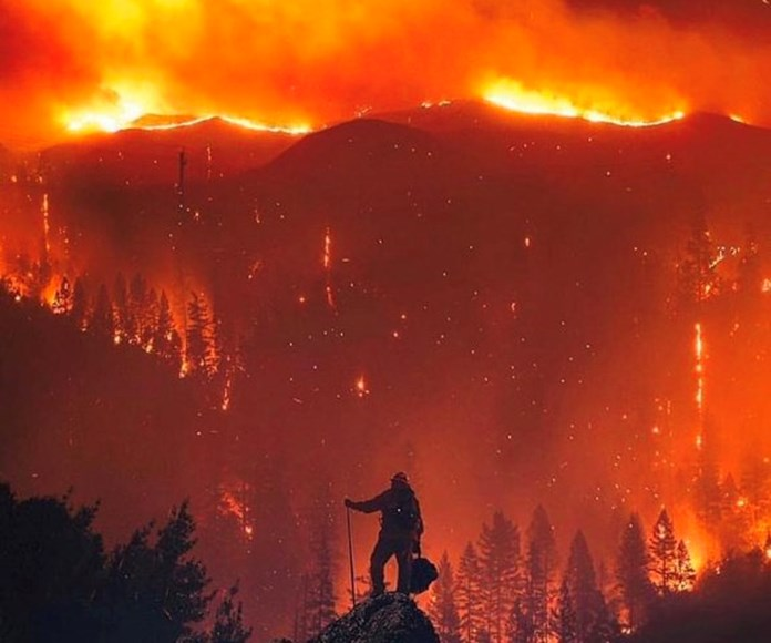 """Scorching weather, erratic winds and ice-topped cloud developed monstrous """"firenado"""" in California"""