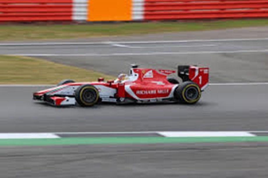 Esports-Ferrari get off to a winning start on virtual F1 racetrack