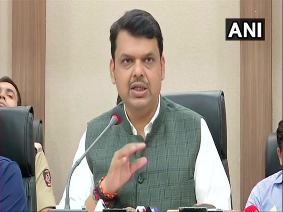 Maharashtra CM thanks Reliance and Amitabh Bachchan for their contributions to relief fund