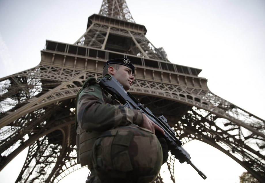 Eiffel Tower to be closed as Paris protests reach new heights