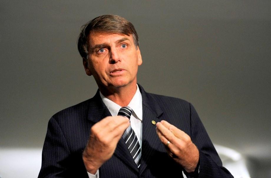 Brazil: Bolsonaro selects general as defense minister