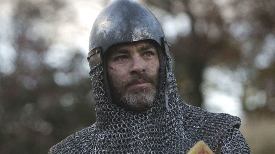 "David Mackenzie says Chris Pine's full-frontal nude scene in ""Outlaw King"" as ""ridiculous"""