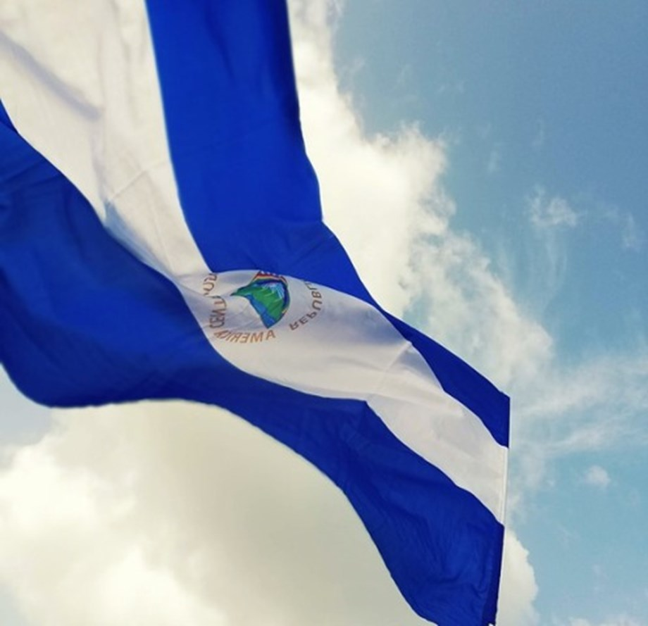 UPDATE 3-Nicaragua releases 100 prisoners, national dialogue starts