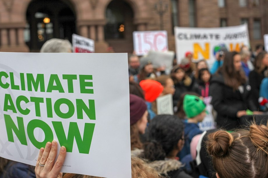 Climate-change protesters hold London 'funeral' march