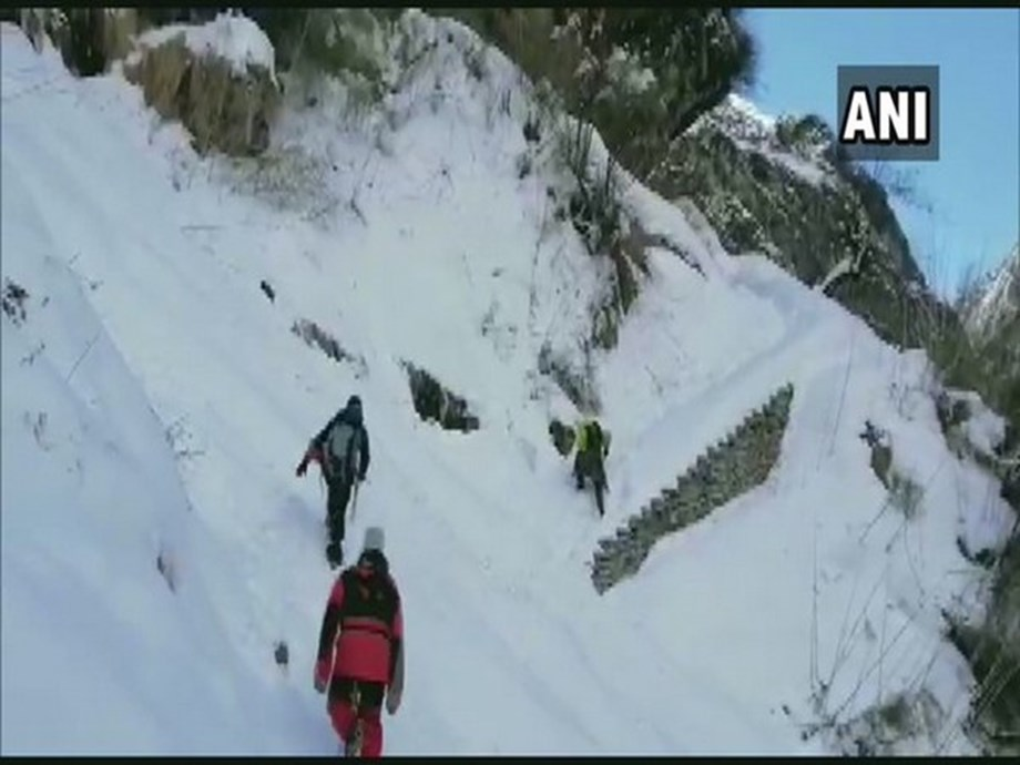 Digging begins in search for missing South Korea, Nepal trekkers