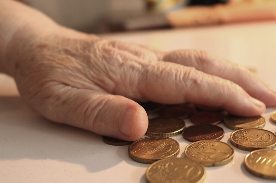 UPDATE 1-Netherlands spares pensioners cuts in 2020 as funds rebuild ratios