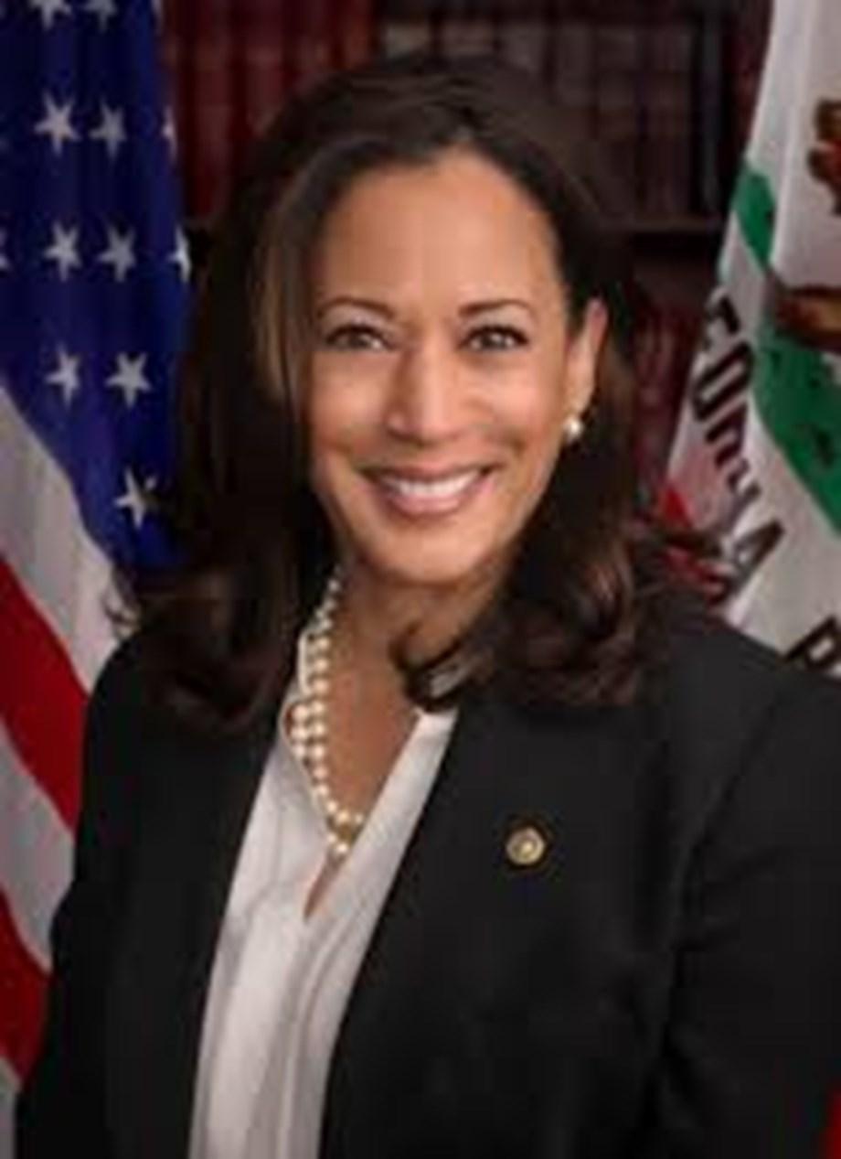 Senator Kamala Harris introduces bill to ease burden on public defenders