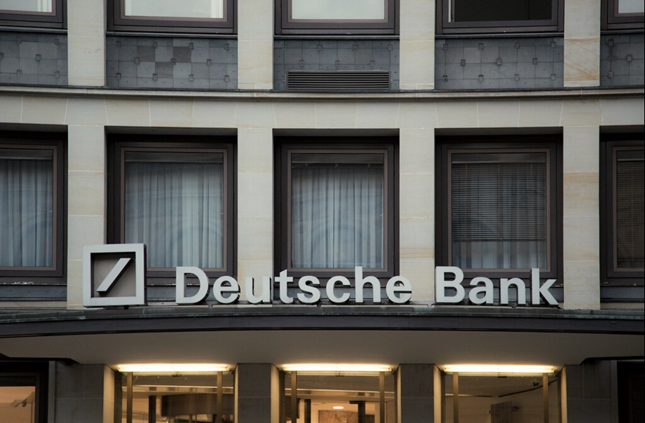 EXCLUSIVE-U.S. congressional probe finds possible lapses in Deutsche Bank controls - sources