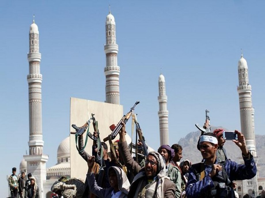 UPDATE 2-Forty killed in Houthi attack on camp in Yemen's Marib -Saudi state TV