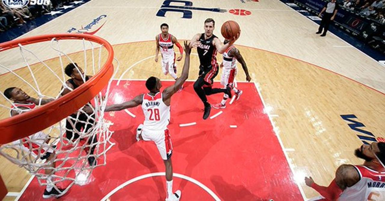 Walker scores 39 as Hornets crush Heat