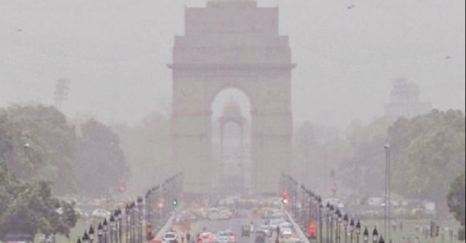 Air quality on brink of turning severe in Delhi