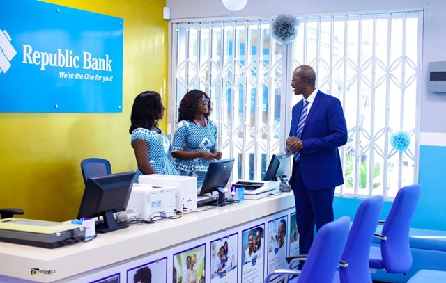 Republic Bank Ghana ties with Vodafone Ghana to deliver mobile cash services