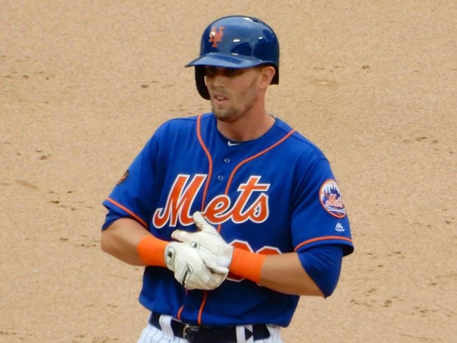 Mets' McNeil to get MRI on hamstring