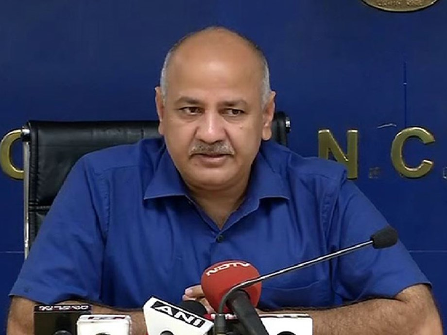 Sisodia in discussion with CBSE on to roll back fee hike