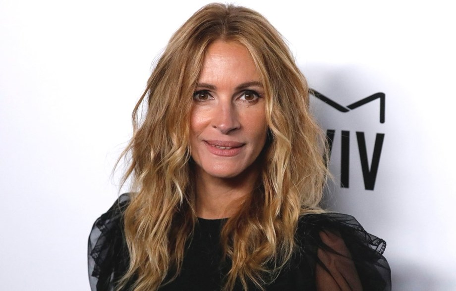 Julia Roberts supported charity shop in London selling presents for refugees