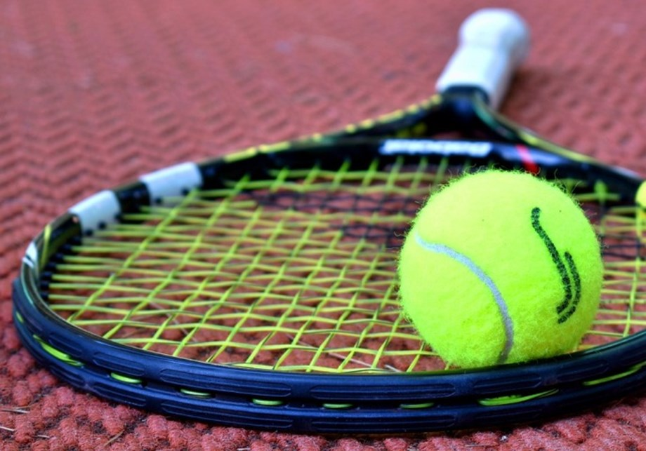Tennis-Young pretenders arrive in force in London