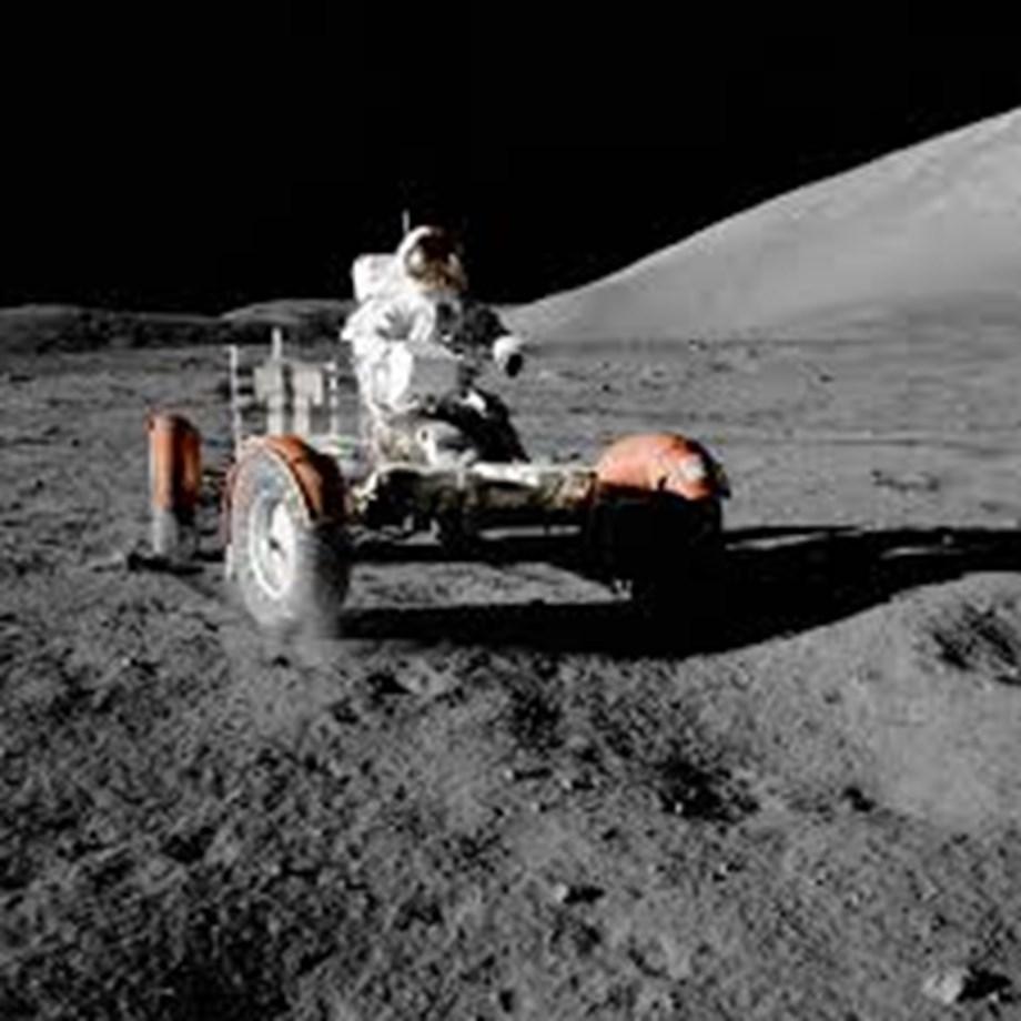 Science News Roundup: Moon gradually shrinking?; Trump calls for increase in NASA spending