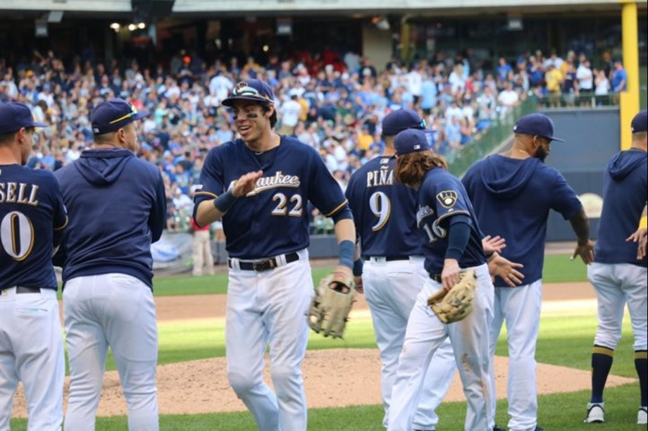 Gamel's walk-off hit gives Brewers win in wild finish