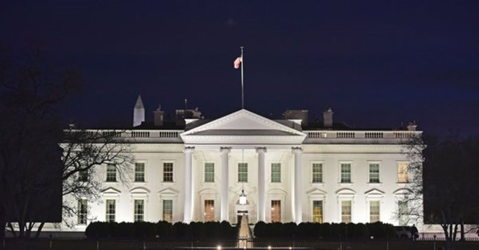 "White House to keep exerting ""maximum pressure"" on Iran"