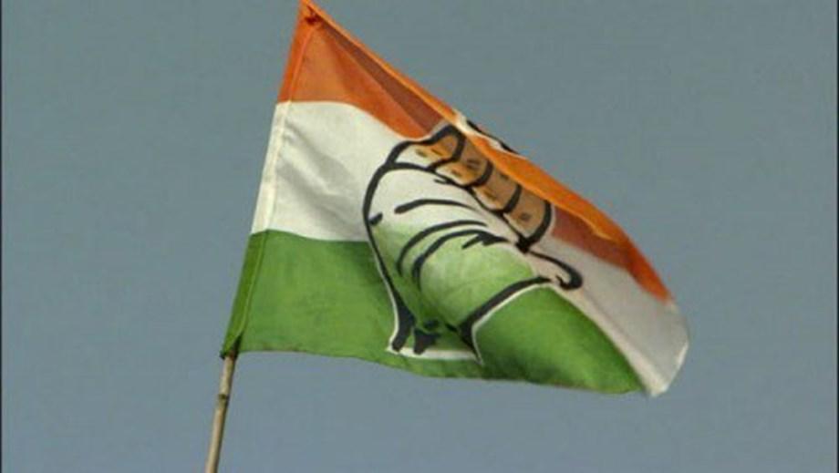 Congress candidate Vanteru Pratap Reddy attempts suicide to prevent police raid at his house